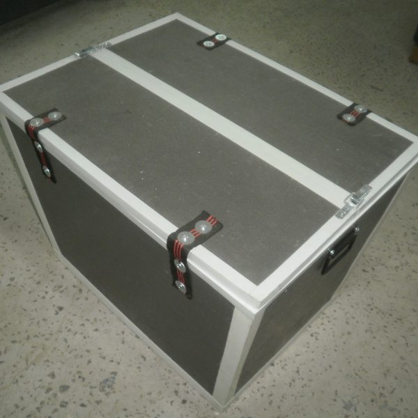 антивандальный ящик, бокс, тара, упаковка, защита от вскрытия груза, переноска груза, новая почта, партнер, куръеру